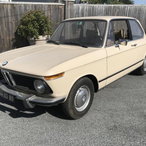 BMW 1502  BEIGE 80 707Kms 1976 / Adjugé 6500€ soit 7811,05€TTC