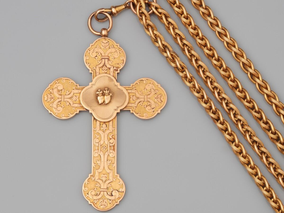 Importante croix reliquaire d'évêque en or Avec sa longue chaîne en or Ayant appartenu à Firmin RENOUARD évèque à Limoges de 1888-1913 / Adjugée 8250€ soit 9982€TTC